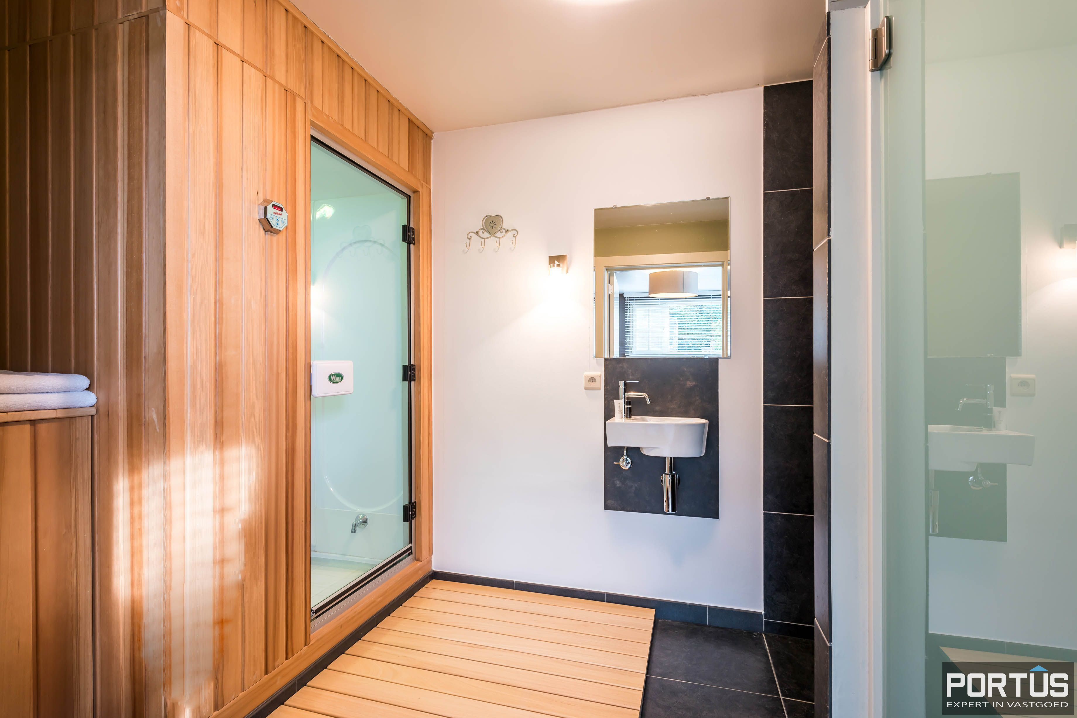 Villa/B&B te koop Westende met 6 slaapkamers - 5463