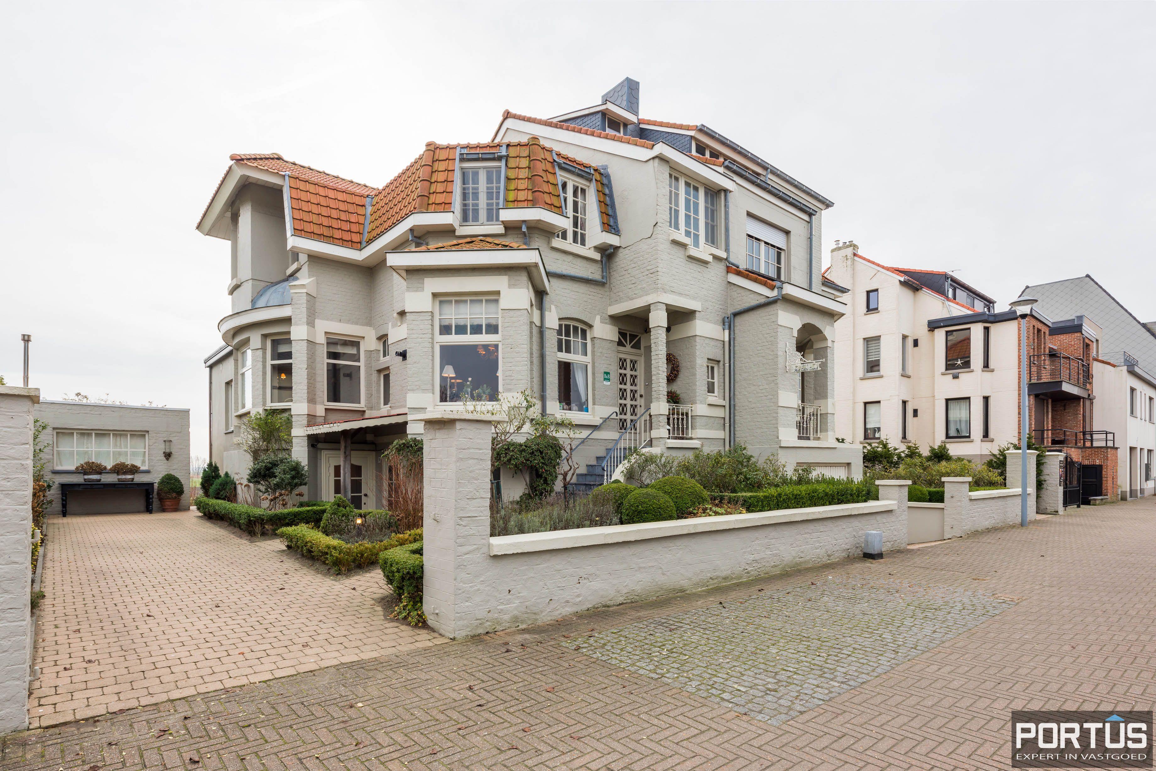 Villa/B&B te koop Westende met 6 slaapkamers