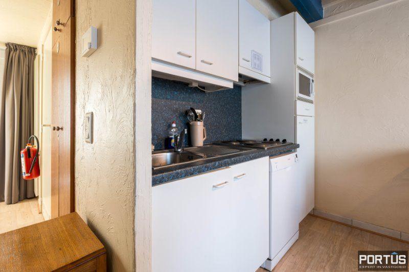 Woning te Nieuwpoort met parking in privé domein - 2412