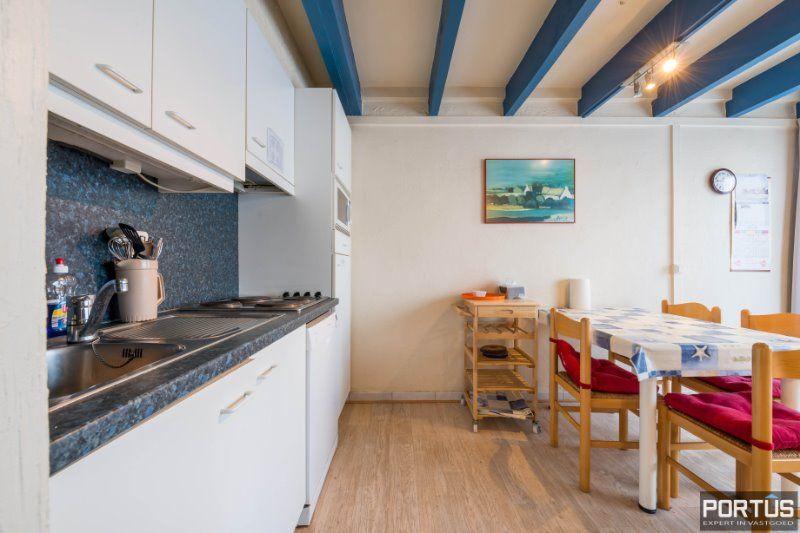 Woning te Nieuwpoort met parking in privé domein - 2414