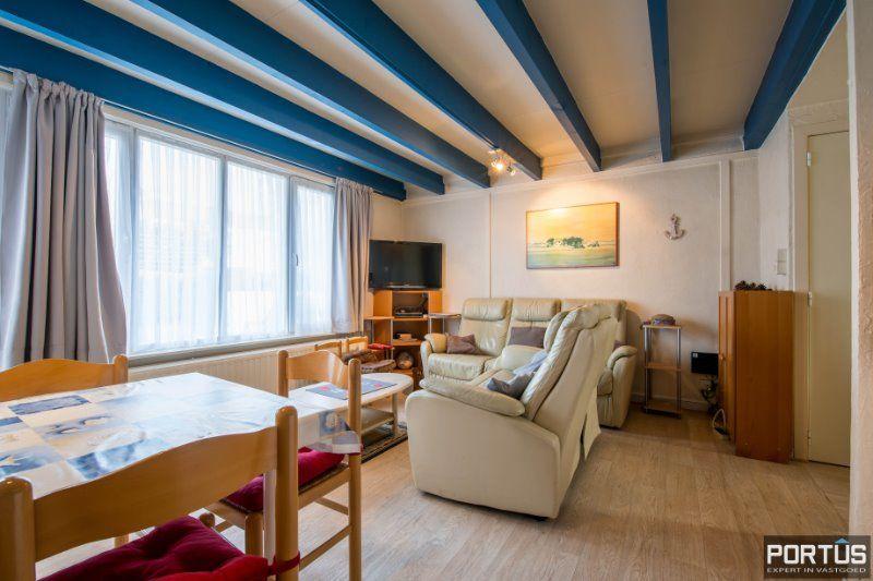 Woning te Nieuwpoort met parking in privé domein - 2416