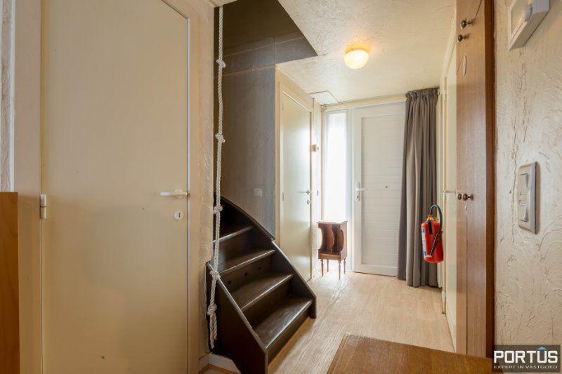 Woning te Nieuwpoort met parking in privé domein - 2418