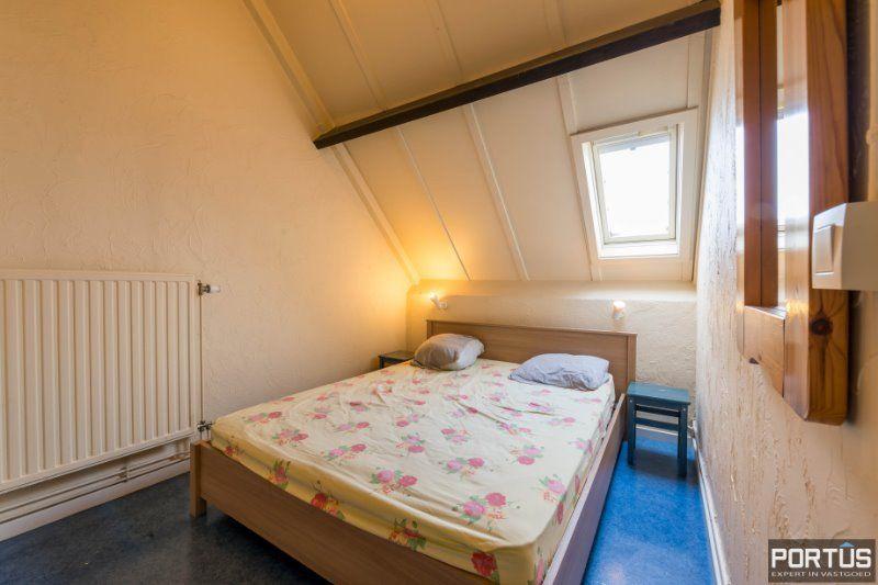 Woning te Nieuwpoort met parking in privé domein - 2424