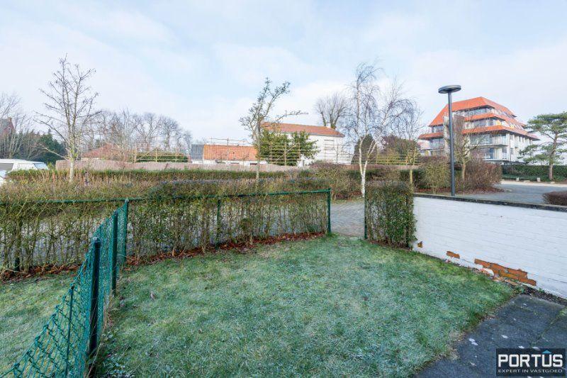 Woning te Nieuwpoort met parking in privé domein - 2428
