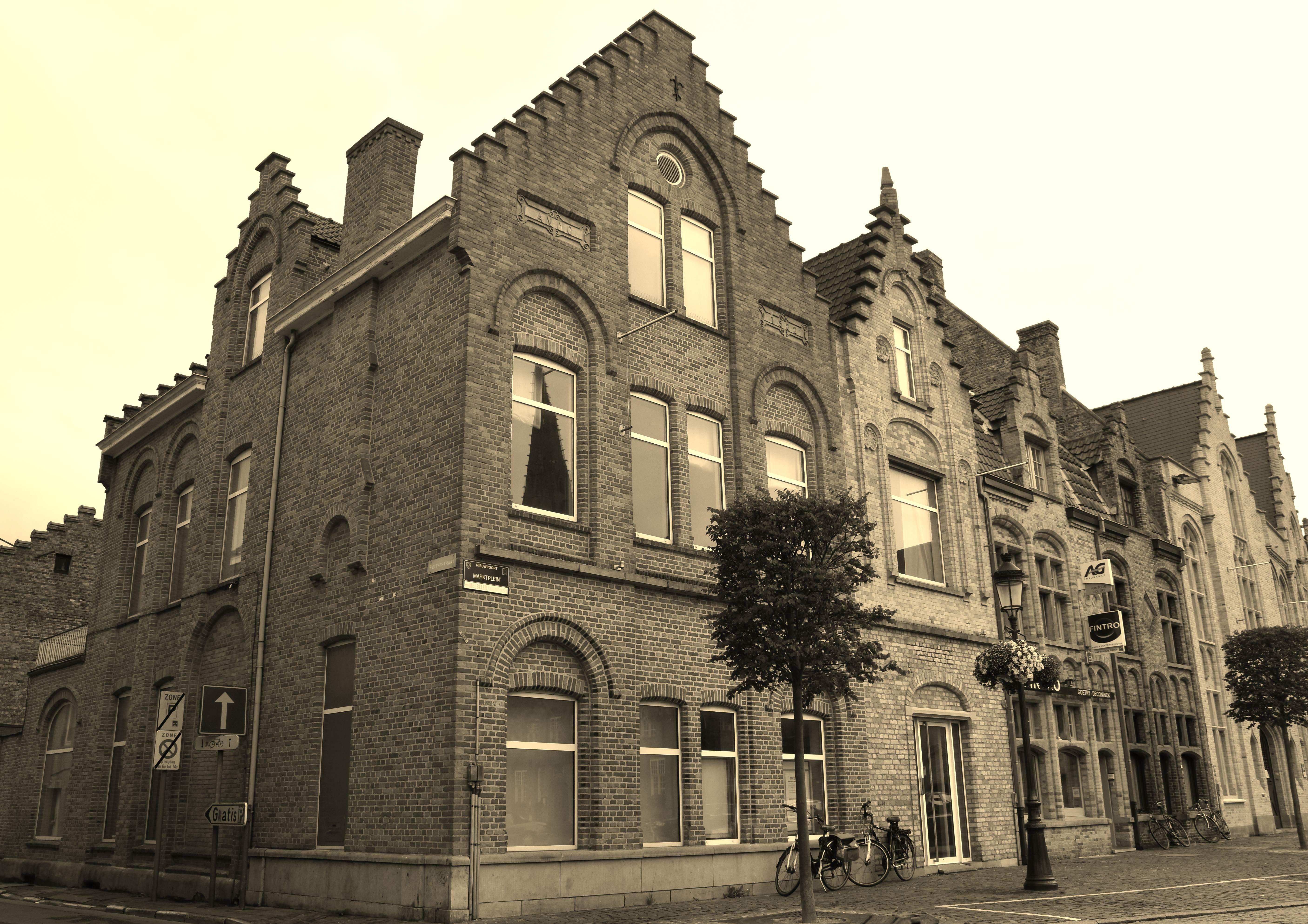 Appartement met 2-slaapkamers te koop Markt Nieuwpoort - 9100