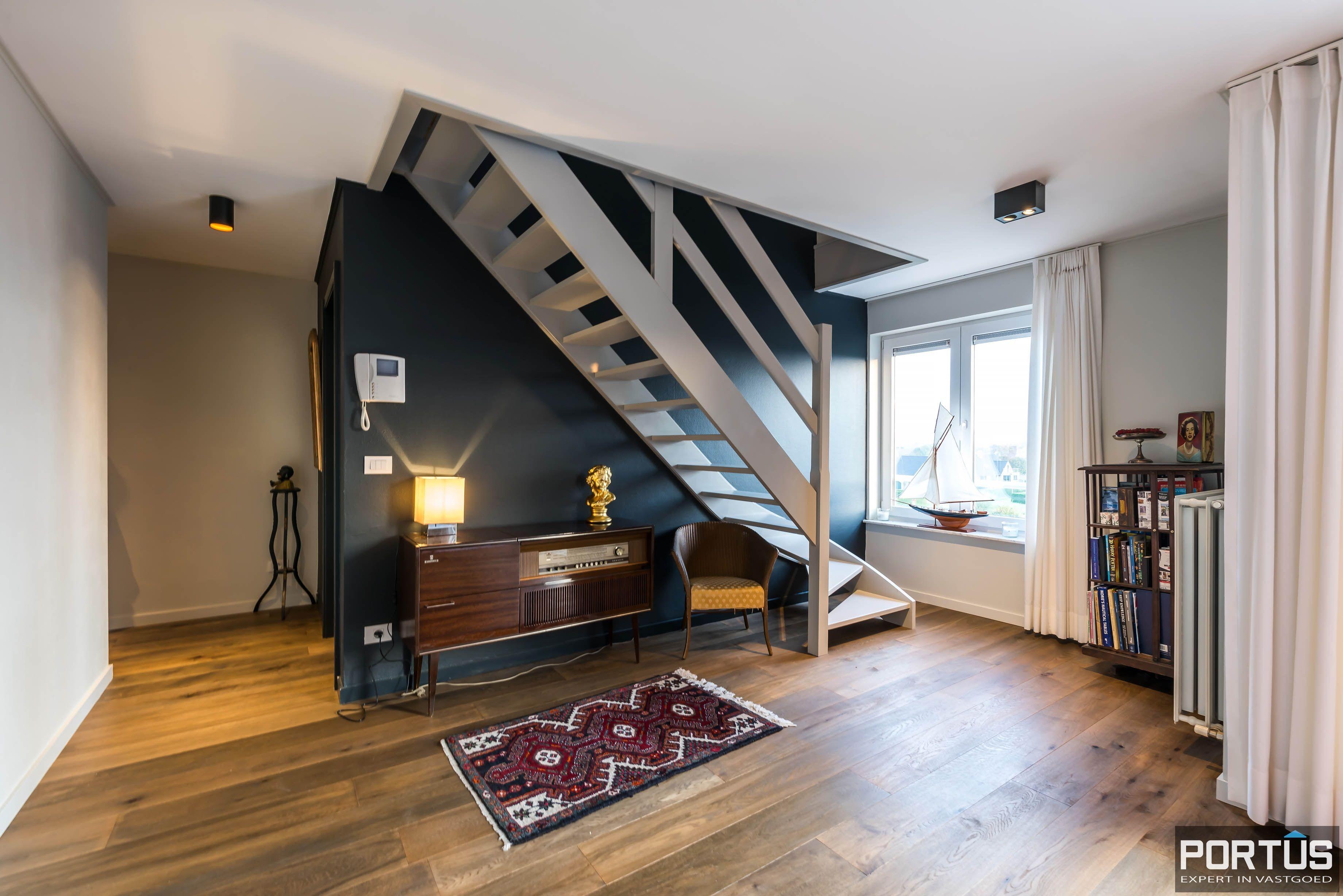 Centraal gelegen duplex-appartement  - 6580