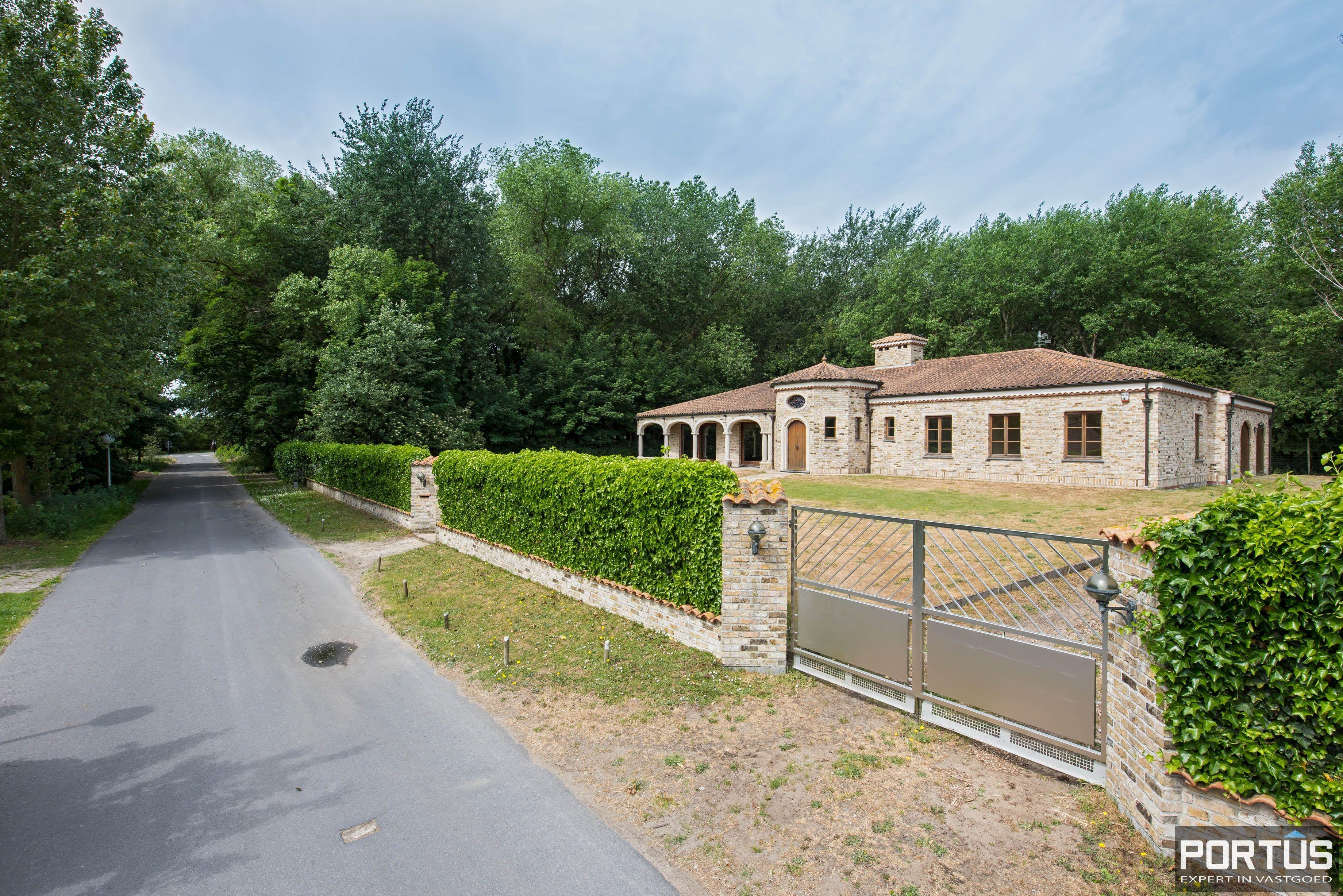 Exclusieve villa te koop - 6696