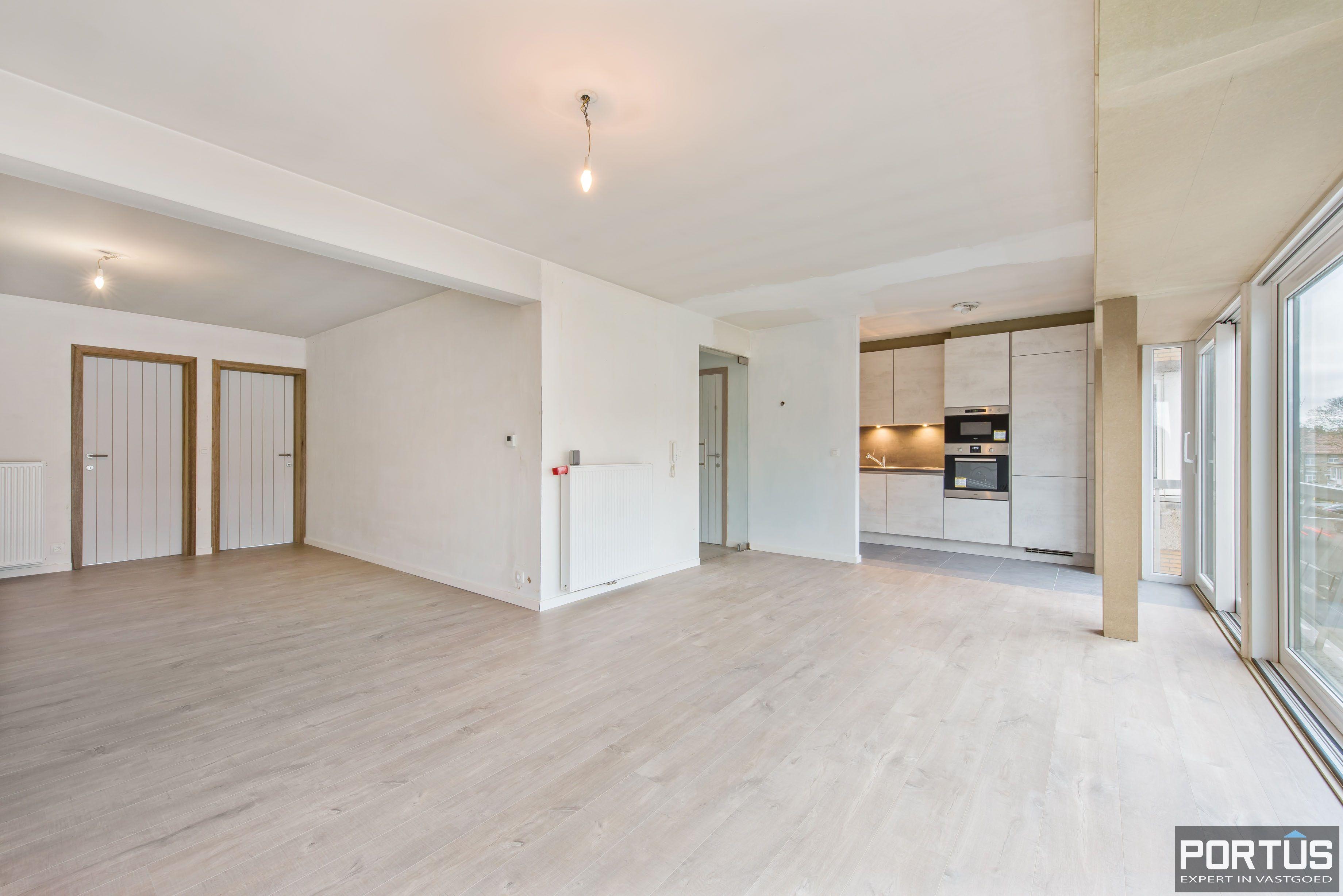 Gerenoveerd 3-slaapkamer appartement met garage te Nieuwpoort-Stad - 7063