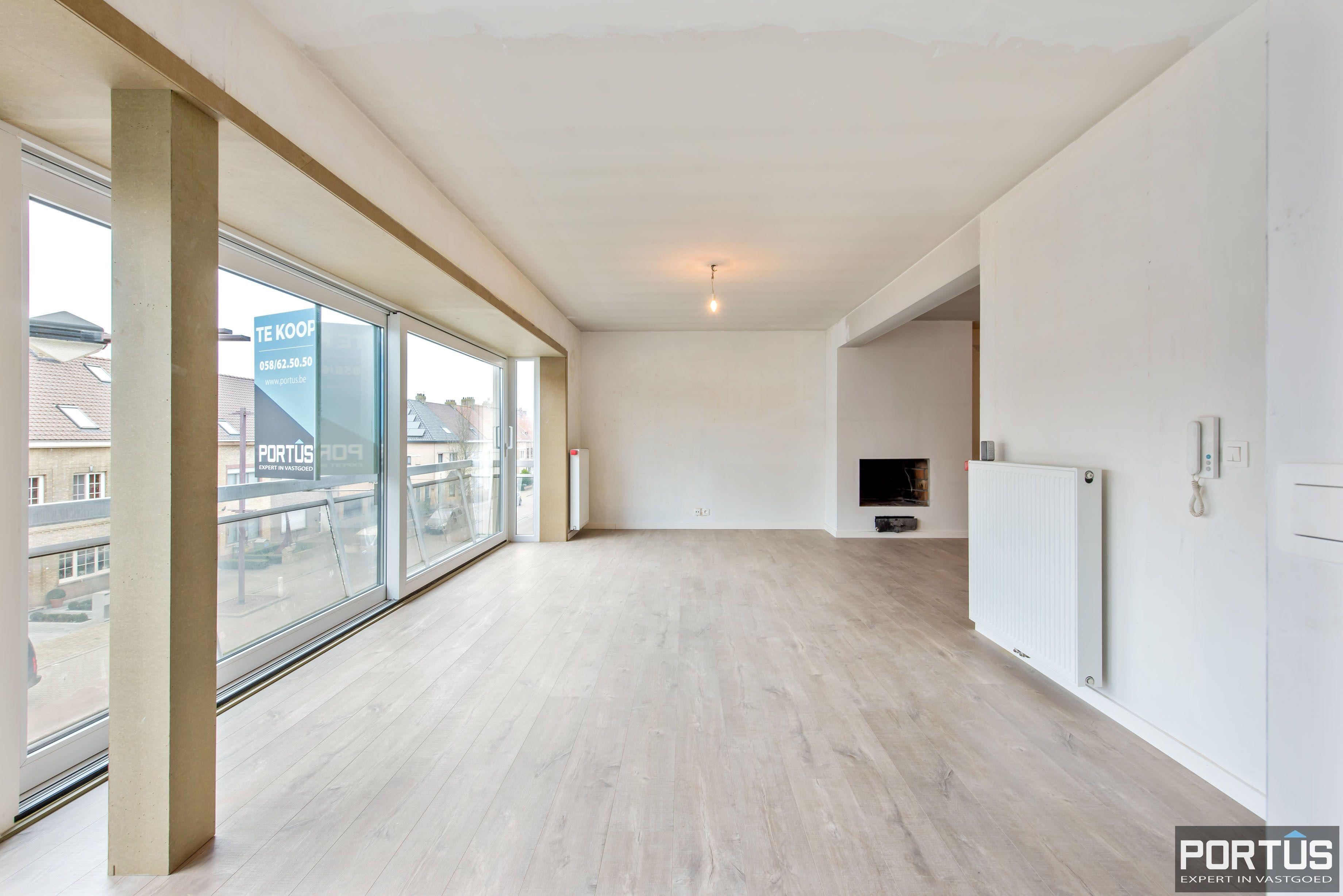 Gerenoveerd 3-slaapkamer appartement met garage te Nieuwpoort-Stad - 7064