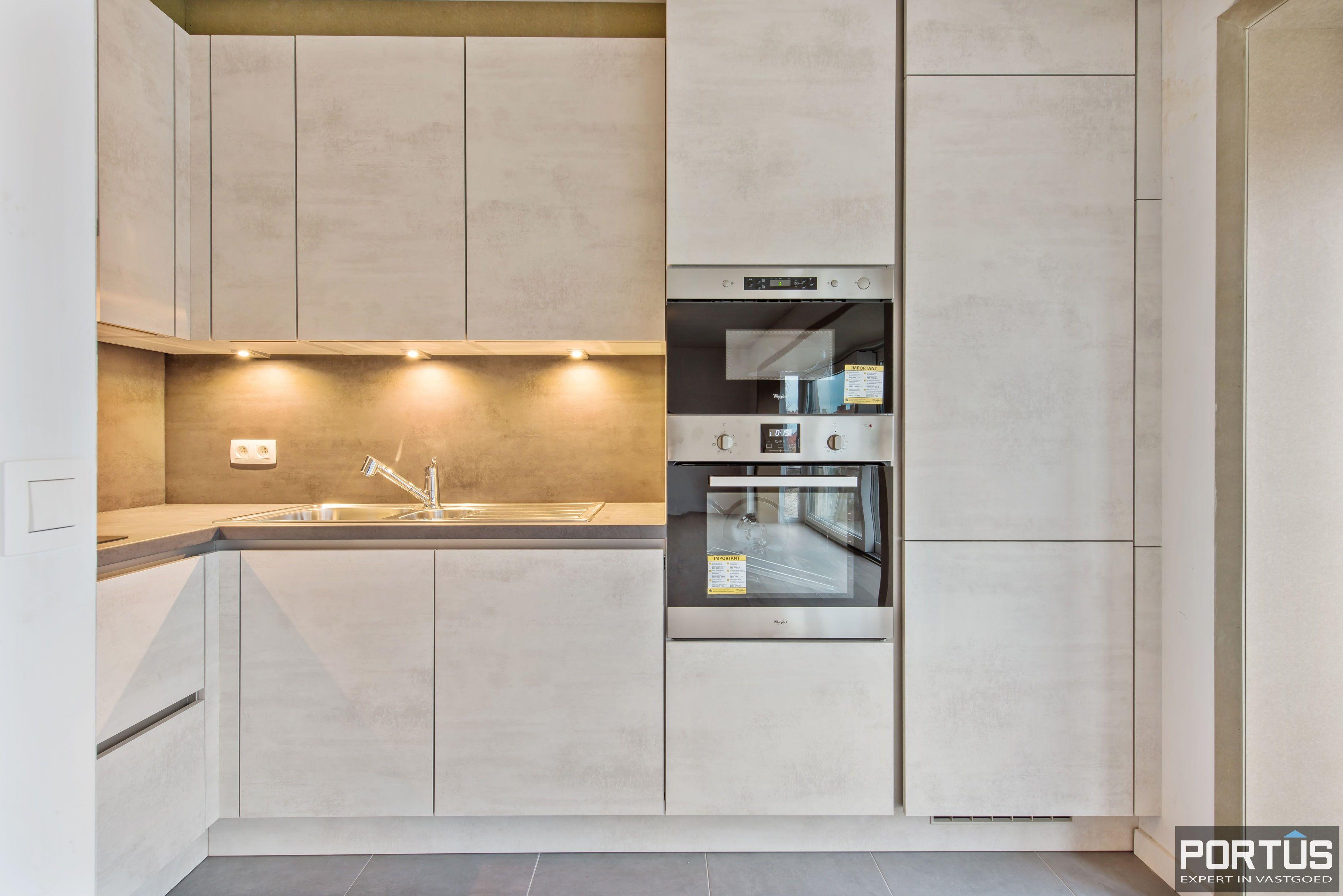 Gerenoveerd 3-slaapkamer appartement met garage te Nieuwpoort-Stad - 7065