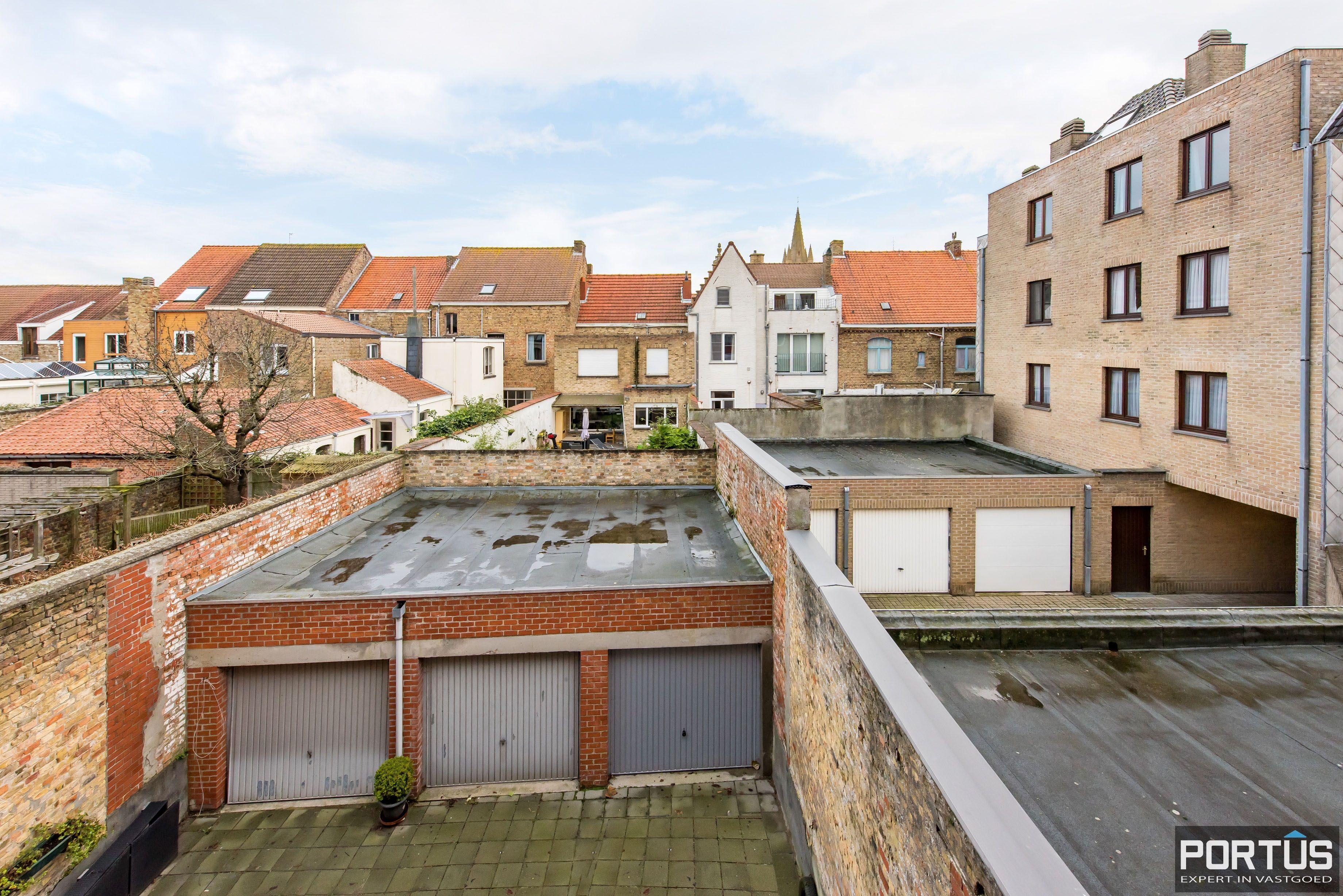 Gerenoveerd 3-slaapkamer appartement met garage te Nieuwpoort-Stad - 7071