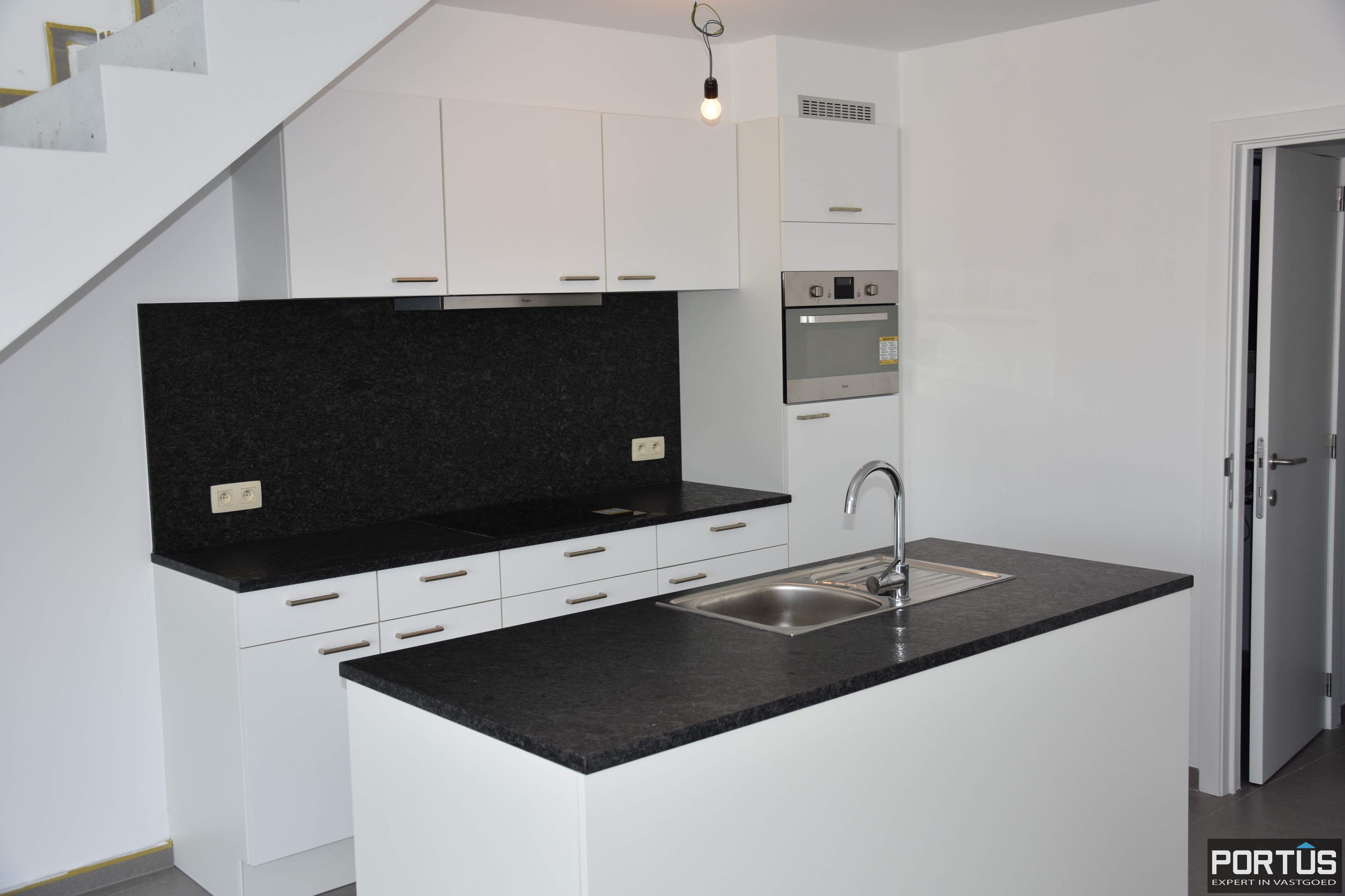 Nieuwbouw duplex-appartement met berging en parking te huur - 8507