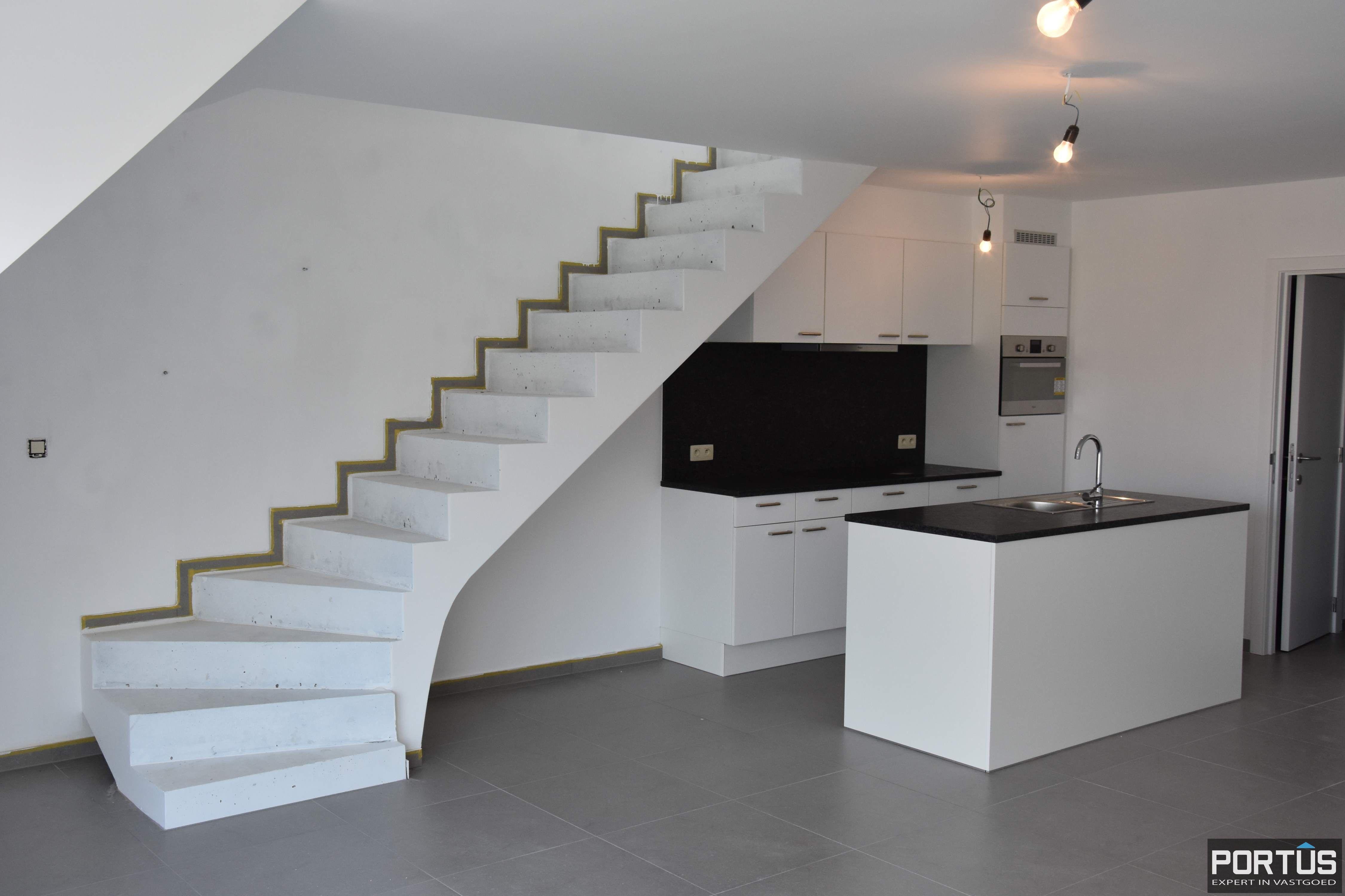 Nieuwbouw duplex-appartement met berging en parking te huur - 8513