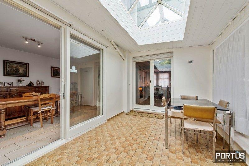 Woning te koop te Nieuwpoort met 7 slaapkamers en 4 garages - 8458