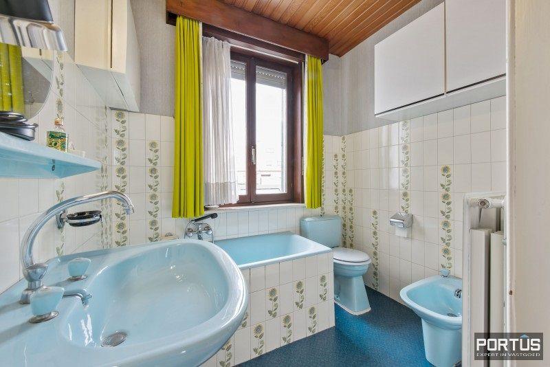 Woning te koop te Nieuwpoort met 7 slaapkamers en 4 garages - 8462