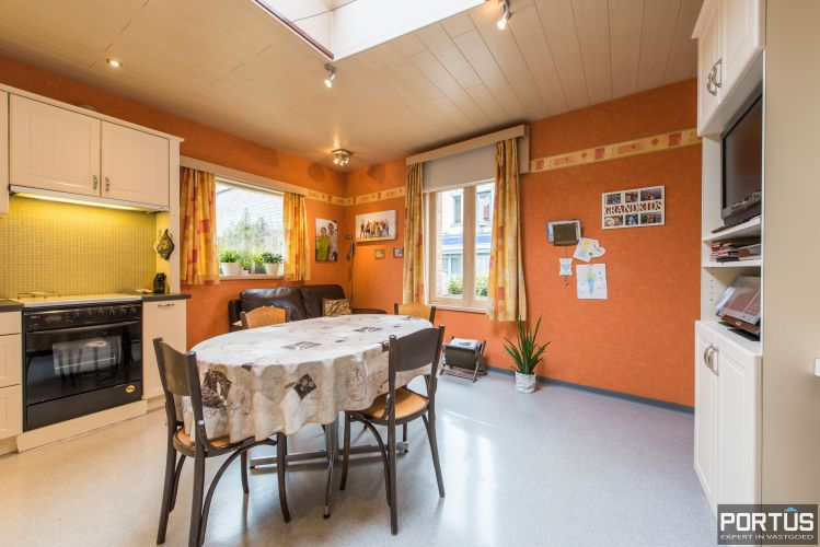 Handelshuis op commerciële ligging te koop te Nieuwpoort-Stad 8846