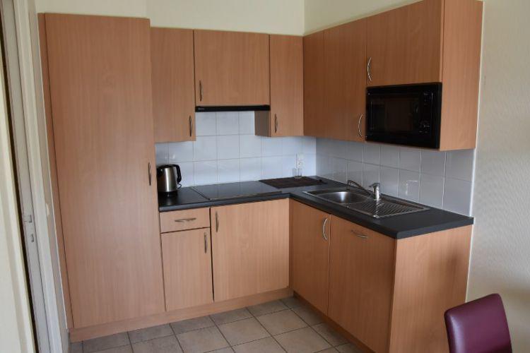 Zeer centraal gelegen appartement te huur met slaaphoek en ruim terras - 9054