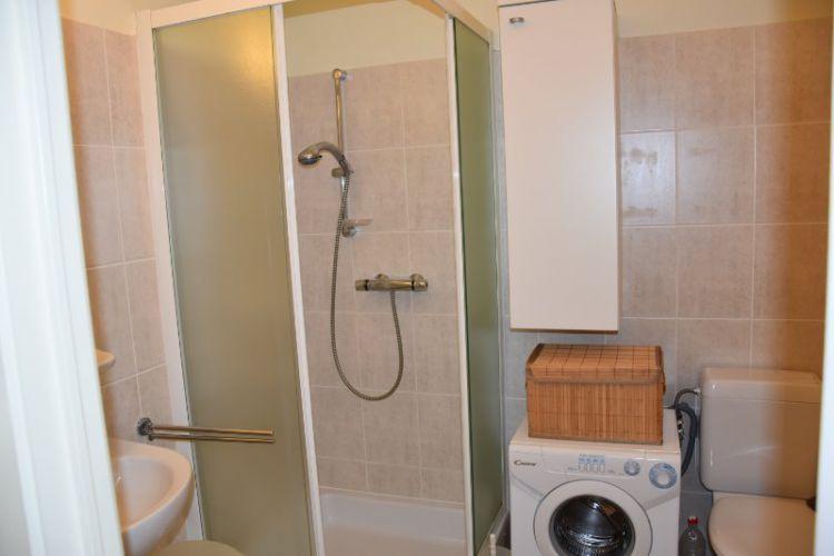 Zeer centraal gelegen appartement te huur met slaaphoek en ruim terras - 9058