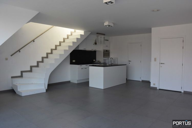Nieuwbouw duplex-appartement met berging en parking te huur - 9227
