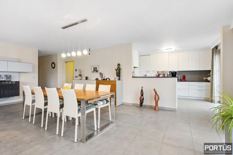 Instapklaar appartement te koop met 2 slaapkamers te Sint-Idesbald 9406