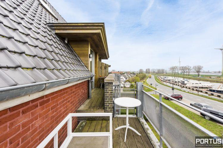 Instapklaar zongericht duplex-appartement te koop te Nieuwpoort 9493
