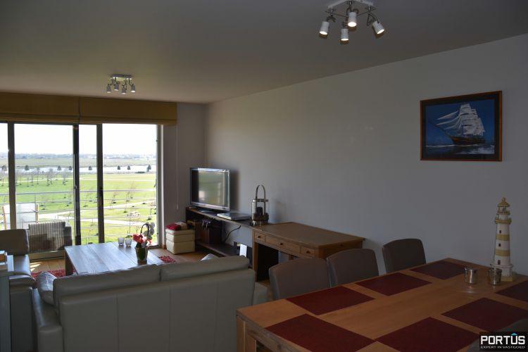 Appartement met slaapkamer, slaaphoek en parking te huur Nieuwpoort 9529