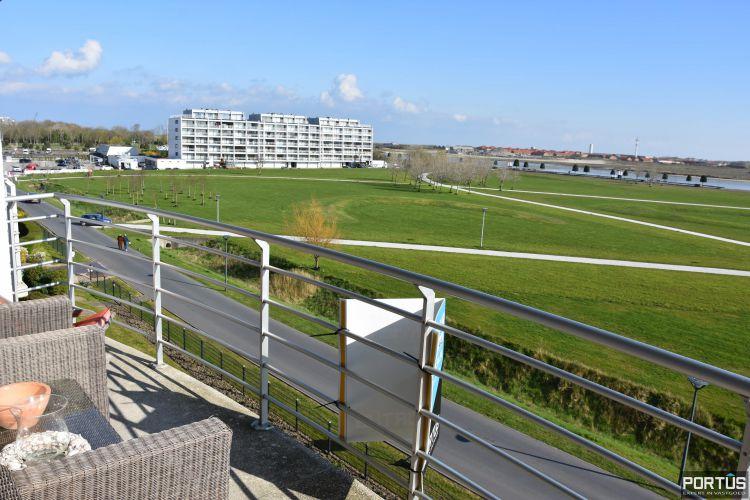 Appartement met slaapkamer, slaaphoek en parking te huur Nieuwpoort 9537