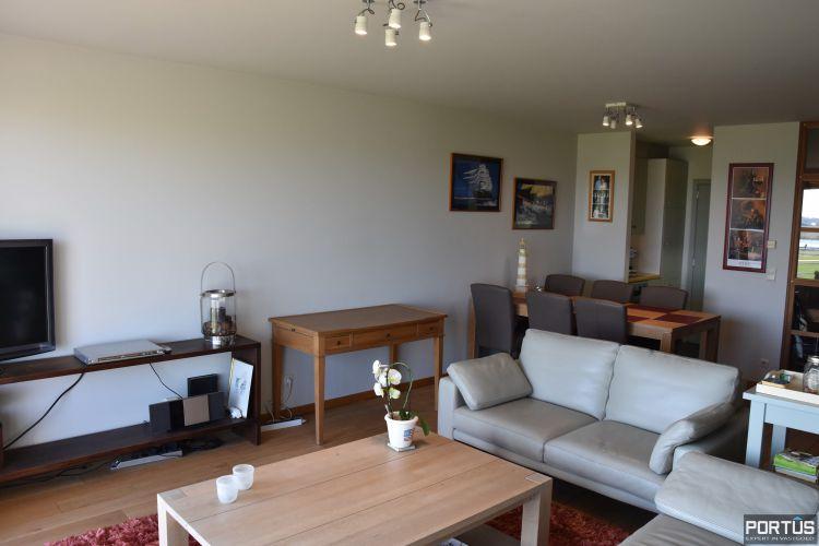 Appartement met slaapkamer, slaaphoek en parking te huur Nieuwpoort 9541