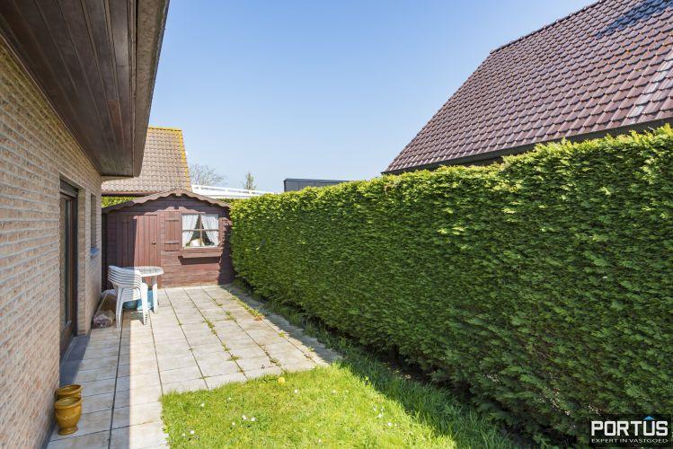 Instapklare ruime vakantiewoning met tuin te koop te Westende 9573