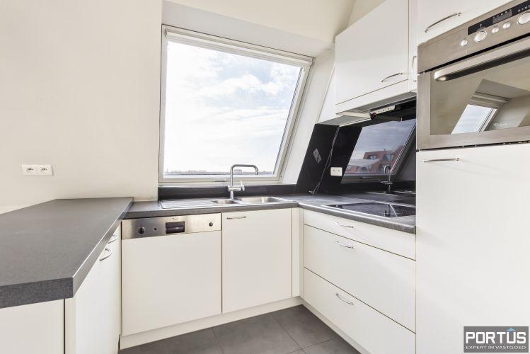 Instapklaar zongericht appartement met 2 slaapkamers te koop in Nieuwpoort 10015