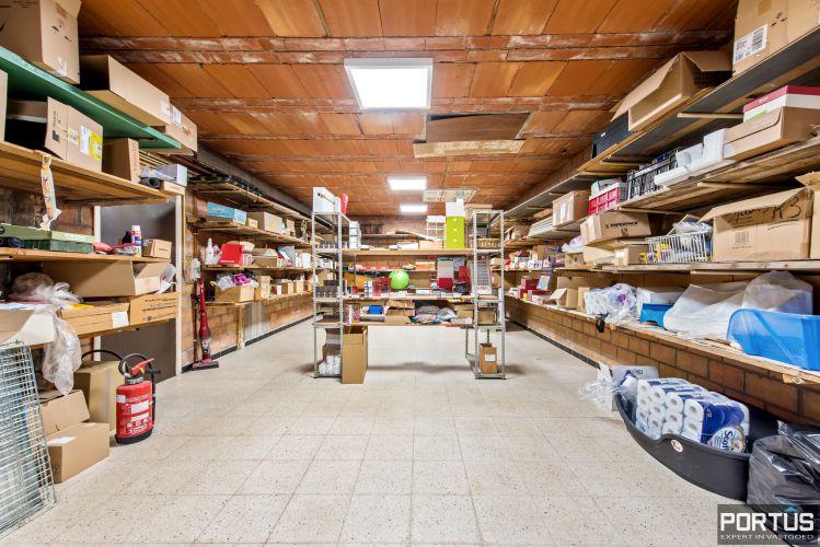 Handelsgelijkvloers met grote kelder te koop - 10818