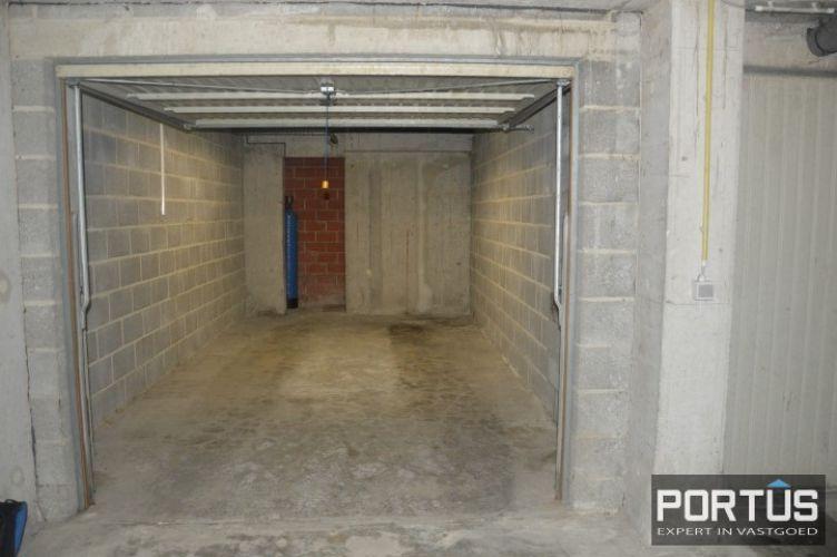 Gesloten ruime garage box te huur te Nieuwpoort 10823