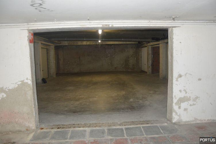 Gesloten ruime garage box te huur te Nieuwpoort 10827