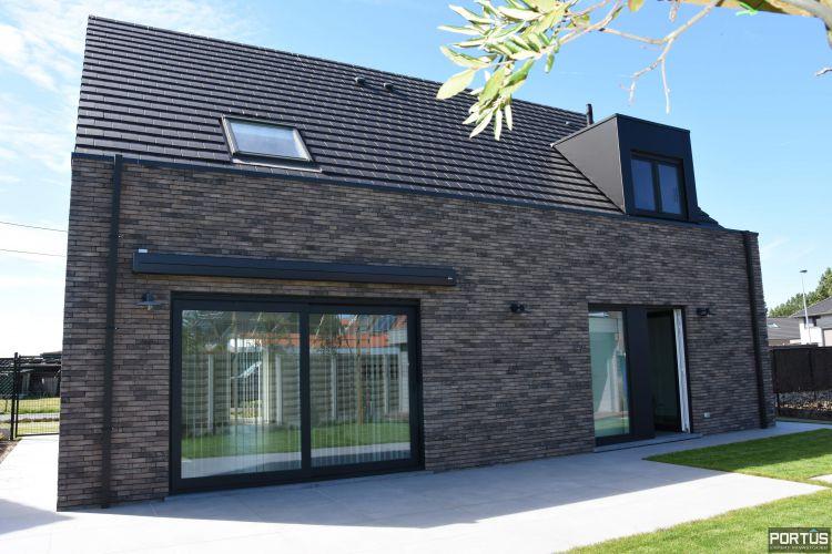 Recente villa te huur met 4 slaapkamers te Westende 11232