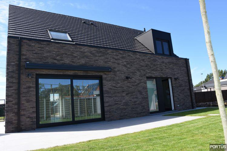 Recente villa te huur met 4 slaapkamers te Westende 11249