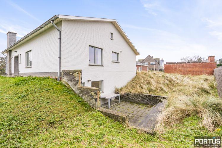 Volledig gerenoveerde villa te koop met tuin te Westende 11953