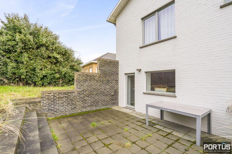 Volledig gerenoveerde villa te koop met tuin te Westende 11954
