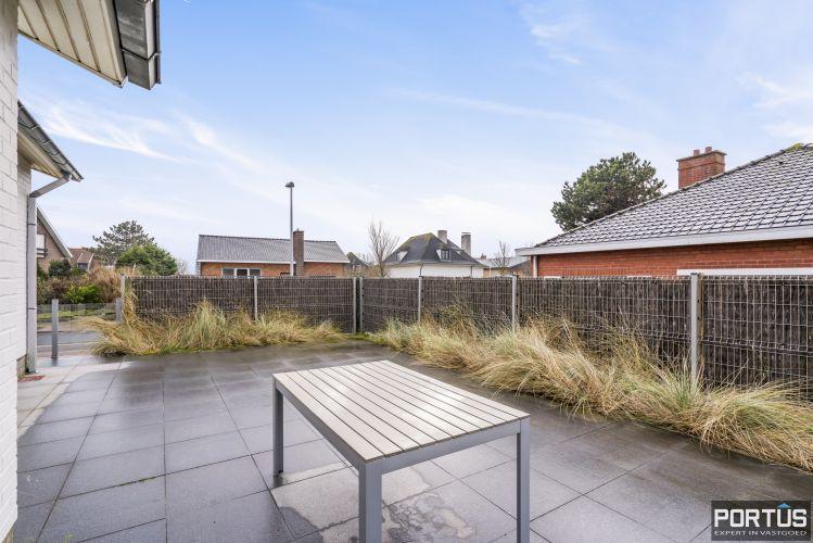 Volledig gerenoveerde villa te koop met tuin te Westende 11955
