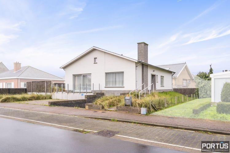 Volledig gerenoveerde villa te koop met tuin te Westende 11961