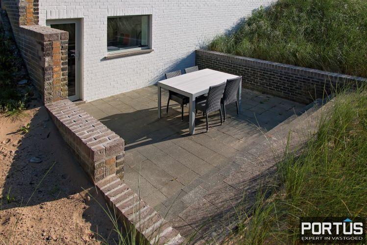 Volledig gerenoveerde villa te koop met tuin te Westende 11962