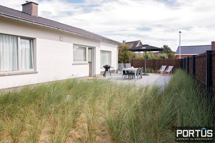 Volledig gerenoveerde villa te koop met tuin te Westende 11966