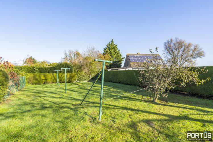 Woning te koop te Pervijze met grote tuin. 12078