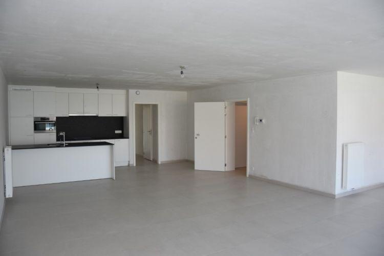 Appartement met berging en parking te huur te Nieuwpoort 13012
