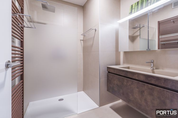 Recent appartement te koop te Nieuwpoort met frontaal zeezicht 13048