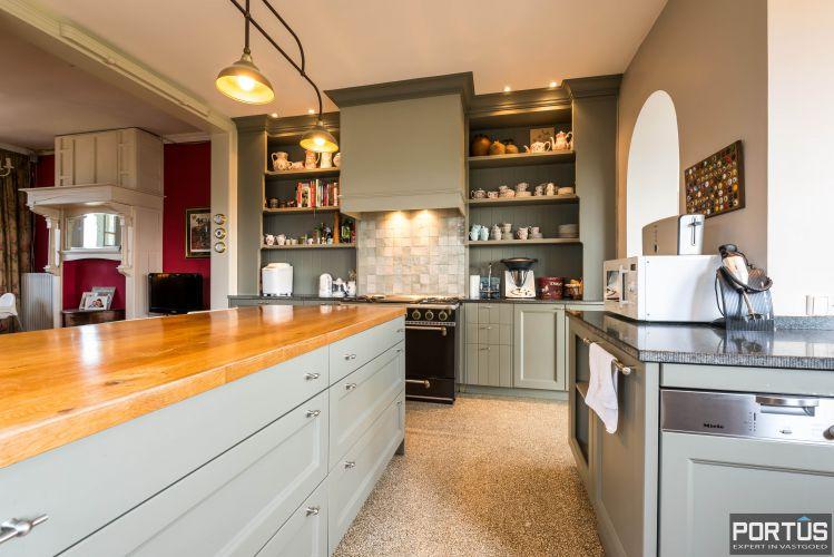 Villa/B&B te koop Westende met 6 slaapkamers 5431