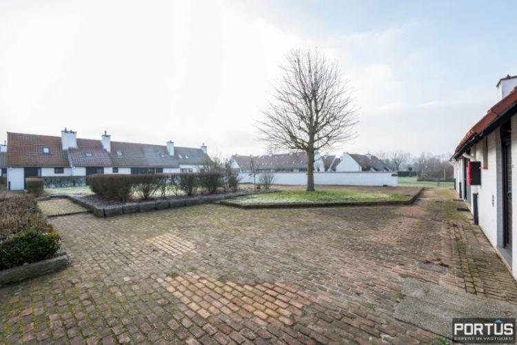 Woning te Nieuwpoort met parking in privé domein 2426