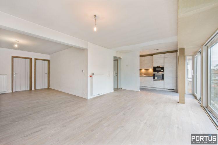 Gerenoveerd 3-slaapkamer appartement met garage te Nieuwpoort-Stad 7063