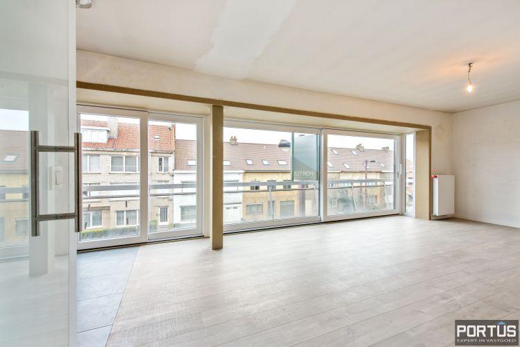 Gerenoveerd 3-slaapkamer appartement met garage te Nieuwpoort-Stad 7068