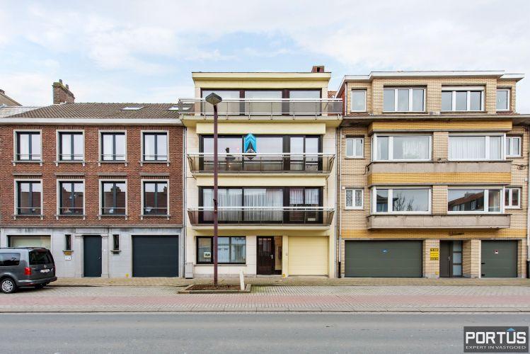 Gerenoveerd 3-slaapkamer appartement met garage te Nieuwpoort-Stad 7073