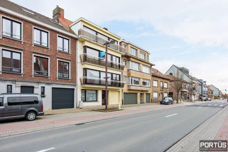 Gerenoveerd 3-slaapkamer appartement met garage te Nieuwpoort-Stad 7074
